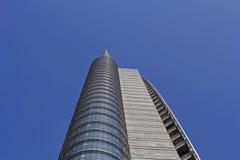 Cierre de la torre del pelli de Cesar para arriba foto de archivo libre de regalías
