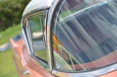 Cierre de Piink Cadillac encima de concours fotografía de archivo libre de regalías