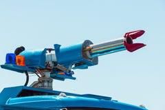 Cierre del canon del agua del bombero para arriba Imágenes de archivo libres de regalías