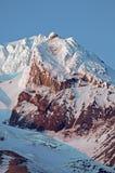 Cierre del capo motor del Mt para arriba Imagenes de archivo