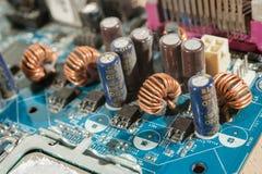 Cierre del condensador de la placa madre para arriba Fotos de archivo