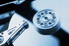 Cierre del disco duro del ordenador encima del detalle Fotografía de archivo libre de regalías