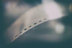 cierre del extremo del rollo de película de 35 milímetros para arriba, símbolo de la película Fotografía de archivo libre de regalías