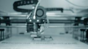 cierre del funcionamiento de la impresora 3D para arriba Fondo enmascarado almacen de video