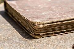 Cierre del libro viejo para arriba Foto de archivo libre de regalías