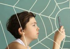 Cierre del muchacho del adolescente del adicto al juego de ordenador para arriba Imagen de archivo