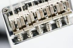 Cierre del puente de Guitare para arriba, elementos del metal Imagen de archivo libre de regalías