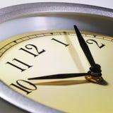 Cierre del reloj en tapa foto de archivo libre de regalías