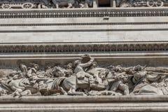 Cierre encima de los detalles Arc de Triomphe en París Fotos de archivo libres de regalías