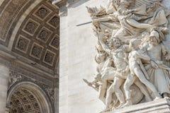 Cierre encima de los detalles Arc de Triomphe en París Fotografía de archivo libre de regalías
