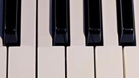 Cierre - encima del tiro de las llaves del piano almacen de metraje de vídeo
