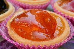 Cierre escarchado de la naranja encima de la visión Imagen de archivo