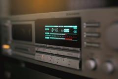 Cierre estéreo del receptor del vintage para arriba Indicador del dial imagen de archivo libre de regalías