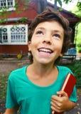 Cierre feliz del muchacho del país encima del retrato Fotografía de archivo libre de regalías