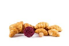 Cierre fresco del croissant para arriba imagenes de archivo