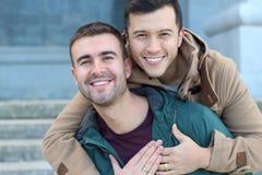 Cierre gay feliz para arriba casado de la pareja Imagen de archivo