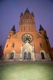 Cierre hermoso del frente de la iglesia para arriba en Polonia Fotografía de archivo