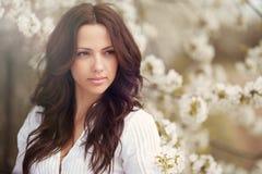 Cierre hermoso del retrato de la cara de la muchacha para arriba imagen de archivo libre de regalías