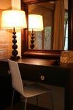 Cierre interior africano moderno del dormitorio para arriba fotos de archivo
