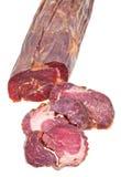 Cierre kazy cortado de la salchicha de la carne del caballo para arriba aislado Imagen de archivo