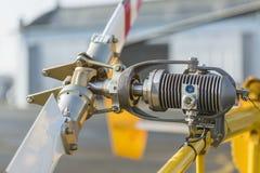 Cierre militar del detalle de la cuchilla de rotor del helicóptero para arriba Imagenes de archivo