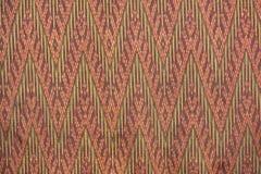 Cierre peruano de la superficie de la manta del estilo de la artesanía de seda tailandesa colorida encima de más este adorno y de Fotografía de archivo