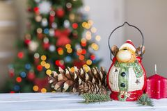 Ciervos de la Navidad en fondo ligero borroso Imágenes de archivo libres de regalías