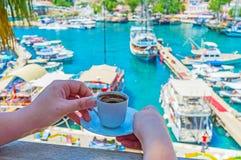 Cieszyć się kawę w Antalya Fotografia Royalty Free