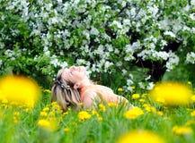 cieszy się natury kobiety Zdjęcie Stock