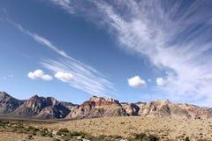 Cieux bleus au canyon Las Vegas Nevada de Redrock Photographie stock libre de droits