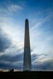 Cieux dramatiques au-dessus de Washington Monument photographie stock