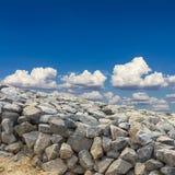 Cieux nuageux de granit Images libres de droits