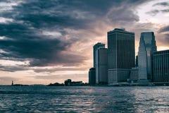 Cieux orageux de Manhattan Images libres de droits