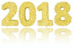 2018 cifre composte di bande dorate e d'argento su fondo bianco lucido Immagine Stock