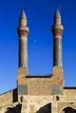 Cifte尖塔马德拉斯-双重尖塔在锡瓦斯 免版税库存图片