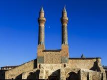 Cifte尖塔马德拉斯-双重尖塔在锡瓦斯 免版税库存照片