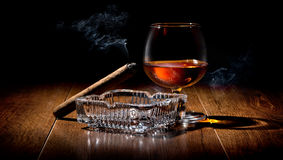 Cigar and cognac Royalty Free Stock Images
