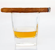 Cigares et whiskey Photos stock