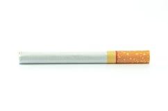 Cigarett aisló en el fondo blanco Fotografía de archivo