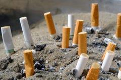 Cigarett efter rök Arkivbild
