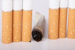 cigarett färdig rökning inte arkivbild
