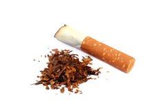 Cigarett som röker begrepp Arkivbild