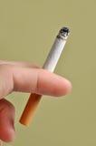 Cigarette à disposition Image libre de droits