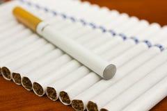 Cigarette électronique photographie stock libre de droits