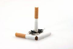 Cigarette cassée photo libre de droits