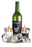 Cigarettes et bouteille sur l'argent photographie stock libre de droits