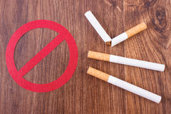 Cigarettes and prohibition sign, healthy lifestyles without cigarettes Royalty Free Stock Photography