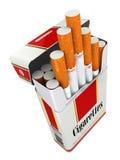 Cigarettpacke på vit isolerad bakgrund Royaltyfri Fotografi