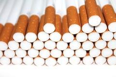 Cigarettrör som isoleras på vit bakgrund Royaltyfri Bild