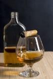 Cigarr och whisky Royaltyfri Foto